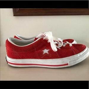 M7/W9 Red Suede Converse One Star shoes